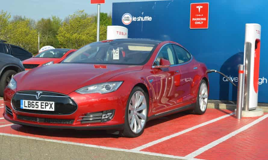A Tesla Model S saloon recharging.