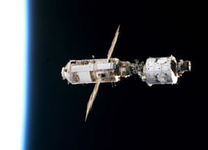 SPACE STATION HOVERS OVER EARTH HORIZON.The mated Russian-built Zarya (L) and U.S.-built Unity modules hover near Earth's horizon shortly after leaving Endeavour's cargo bay December 13. The six astronauts aboard Endeavour returned to the routine work of deploying satellites and readying for a scheduled return to Earth December 15 after leaving behind the International Space Station. RC/CLH/ - RP1DRIFQLSAE