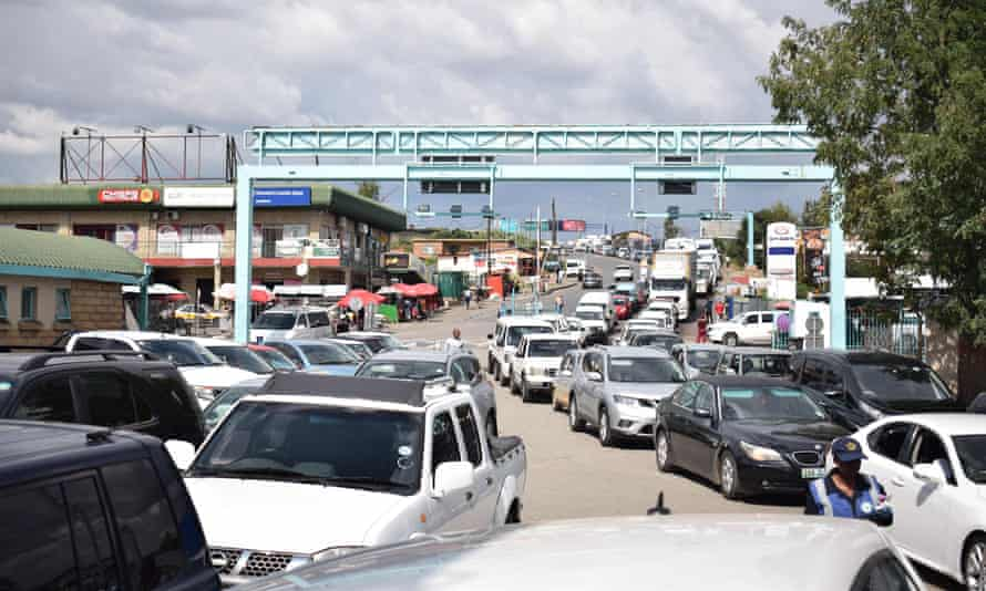 A queue of cars at the Maseru Bridge border post between Lesotho and South Africa.