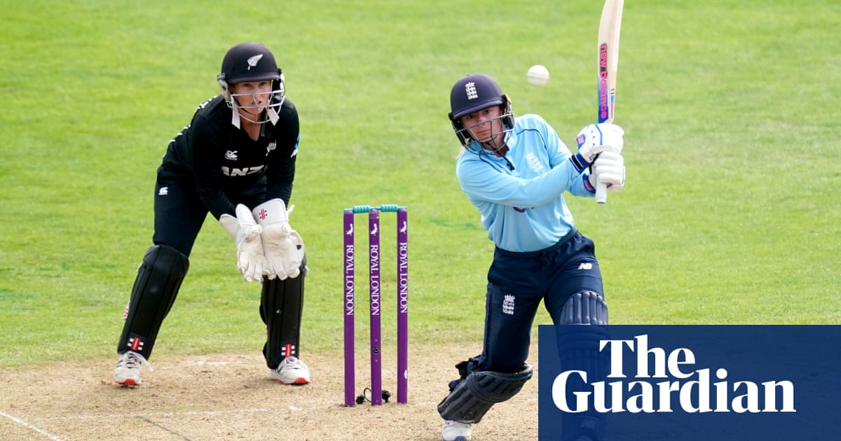 England's Danni Wyatt and Charlie Dean edge out New Zealand in second ODI