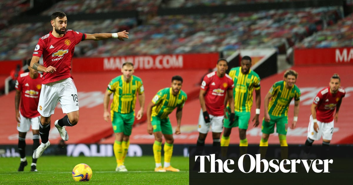 Manchester Uniteds Fernandes hits spot to sink unhappy West Brom
