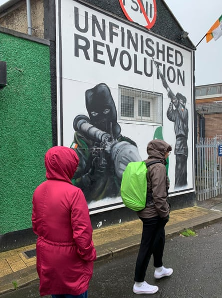 A recent mural, painted on the headquarters of dissident republican group Saoradh.