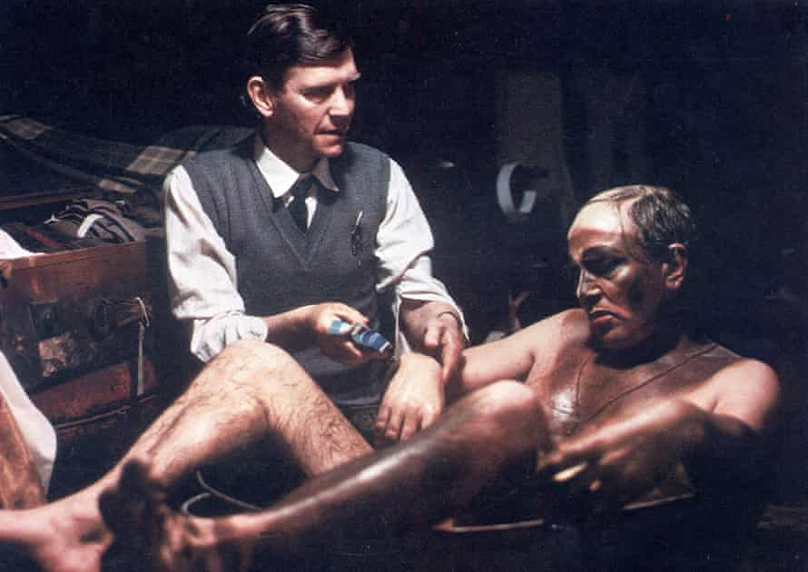 Finney with Tom Courtenay in The Dresser (Ronald Harwood, 1983) .