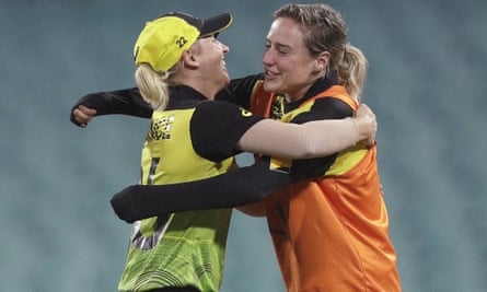 Delissa Kimmince and Ellyse Perry
