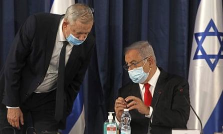 Benny Gantz (left) and Benjamin Netanyahu.