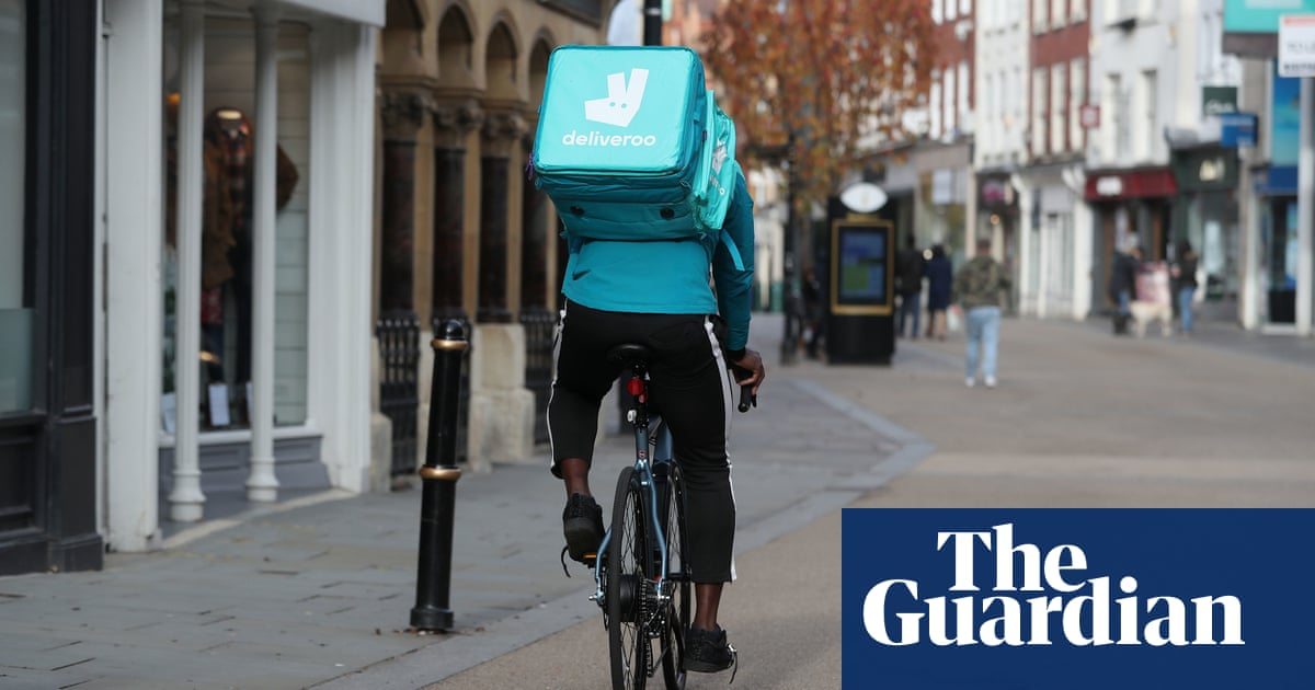 Gig economy couriers should be eligible for a pension, says UK regulator