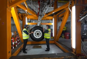 Airbus employees test undercarriage