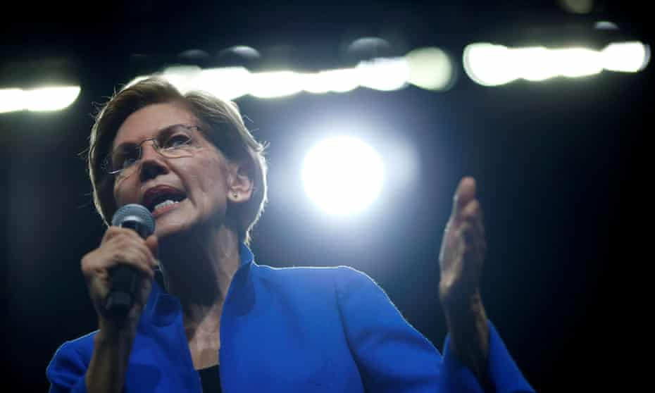 FILE PHOTO: U.S. Democratic presidential contenders attend a party dinner<br>FILE PHOTO: Democratic 2020 U.S. presidential candidate Sen. Elizabeth Warren speaks at a Democratic Party fundraising dinner, the Liberty and Justice Celebration, in Des Moines, Iowa, U.S. November 1, 2019. REUTERS/Eric Thayer/File Photo