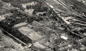 An aerial view of Reading Gaol in the 1920s.