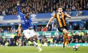 Romelu Lukaku scores Everton's fourth goal against Hull.