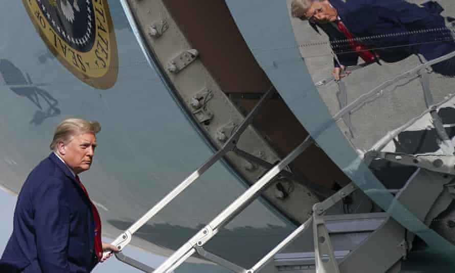 Donald Trump boarding Air Force One at Palm Beach International Airport on 31 December 2020.