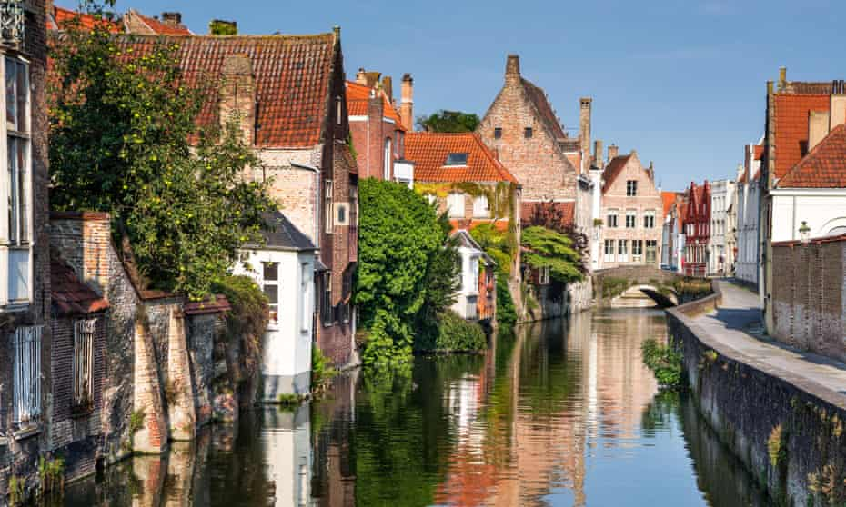 Pretty houses and canal in Bruges
