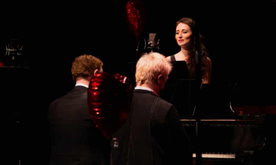 Mezzo Fleur Barron, with pianists Joseph Middleton and Dylan Perez, in Brahms's Liebeslieder Waltzes.