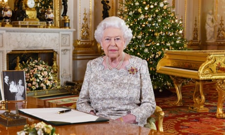 Queen tells nation to put aside differences in Christmas message