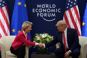 US President Donald Trump shakes hands with European Commission President Ursula von der Leyen