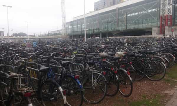 Bike parking Ghent train station