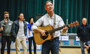 Martin O'Malley campaigns for the Iowa Caucus at Grinnell College.