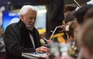 Donald Sutherland keeps a spare pen handy