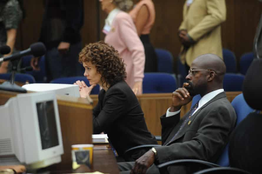 Sarah Paulson as Marcia Clark and Sterling K Brown as Christopher Darden.