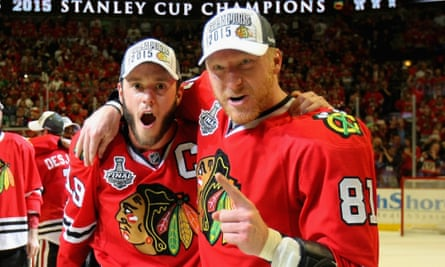 Marian Hossa (right) celebrates the Blackhawks' victory in the 2015 Stanley Cup final