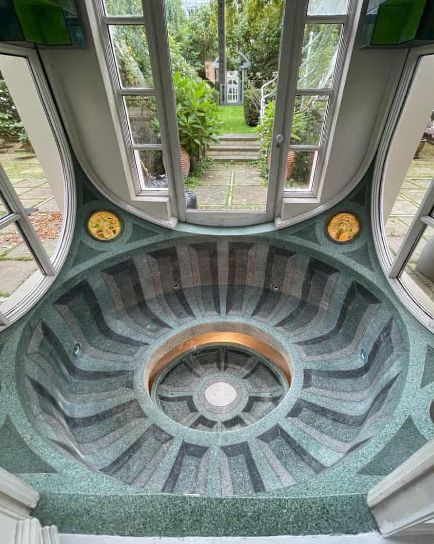 'The water was always freezing' … the whirlpool bath in the shape of a Borromini dome.