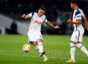 Carlos Vinicius scores the fourth for Tottenham.