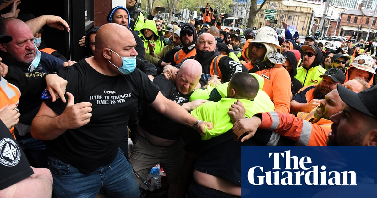 Victoria set to shut down construction for two weeks after anti-vaccine mandate protest