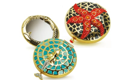 Holiday compacts