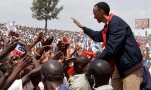 Paul Kagame meets Rwandans at rally in 2010