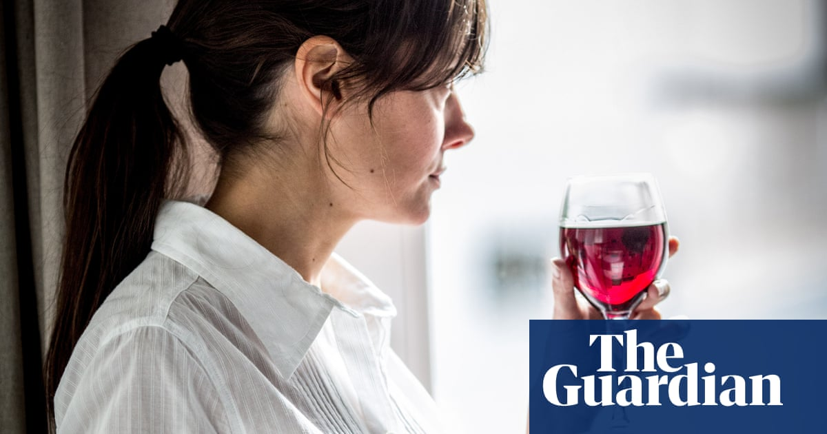 Any amount of alcohol consumption harmful to the brain, finds study