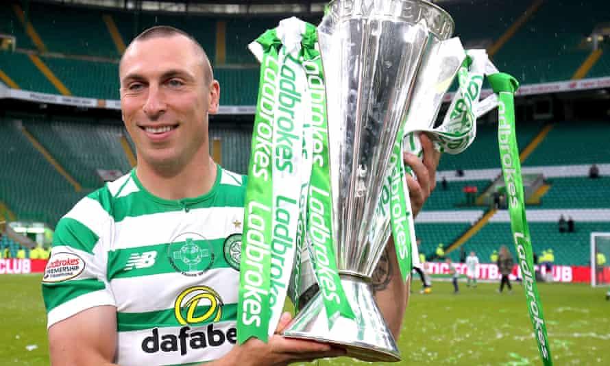 Scott Brown celebrates Celtic winning 2019 Scottish Premier League