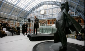 The unveiling ceremony for Martin Jennings' statue of Sir John Betjeman at St Pancras.