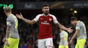Arsenal's Olivier Giroud reacts after his miss.