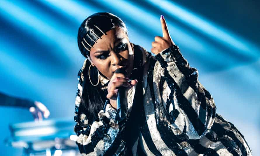 Ray BLK performing in London, 2019.