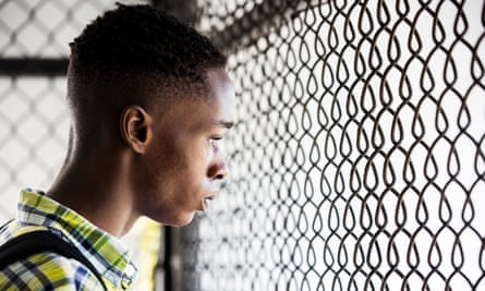 Ashton Sanders as the teenage Chiron.