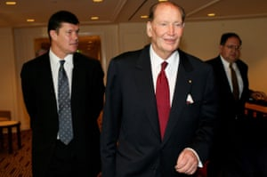 Kerry Packer (right) with his son James in 2005.