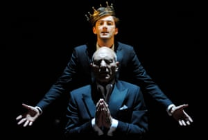 David Tennant (as Hamlet) and Patrick Stewart (as Claudius) in an RSC production of Hamlet.