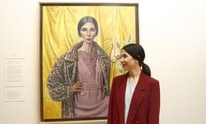 2018 Archibald prize winner Yvette Coppersmith next to her self-portrait.