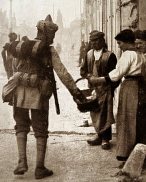 Indian troops are welcomed in Flanders in 1915.