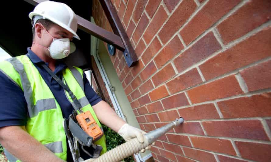Installing cavity wall insulation