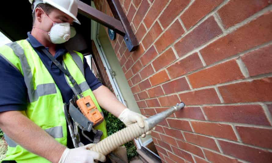 The chancellor, Rishi Sunak, will set out £3bn spending focusing on improving energy efficiency in homes.
