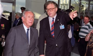 The IOC president, Juan Antonio Samaranch (left), and Bob Scott, chairman of the Manchester 2000 Olympic bid committee, in 1993.