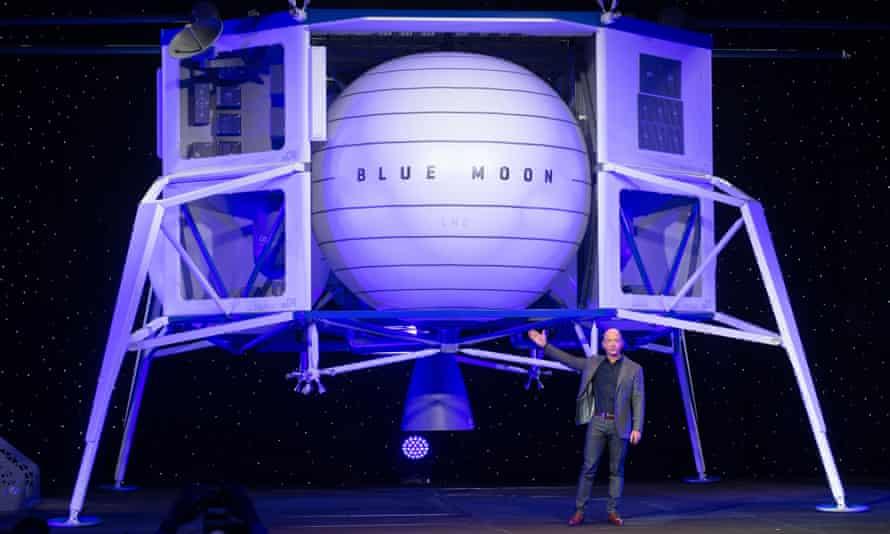 Jeff Bezos announces Blue Moon, a lunar landing vehicle for the Moon, during a Blue Origin event in Washington