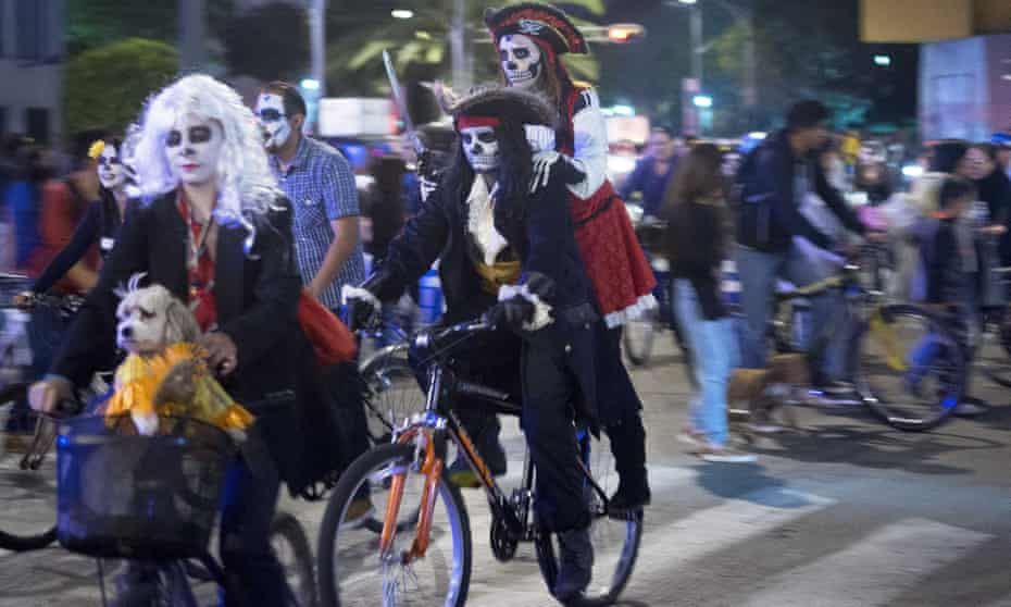 Last month's official night ride for Day of the Dead attracted 95,000 cyclists.