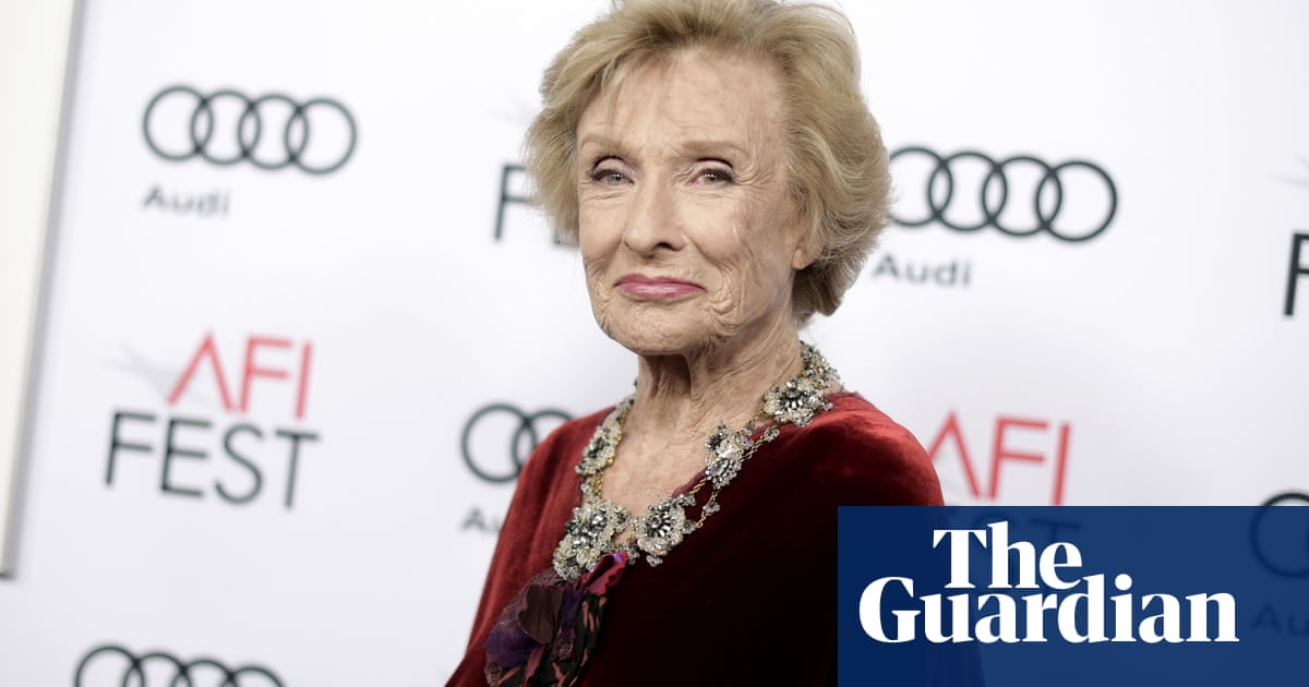 Cloris Leachman, who played Phyllis on The Mary Tyler Moore Show, dies at age 94