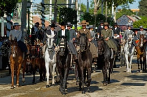 From around midday until early evening Sevilla society parade around the fairground in carriages or on horseback