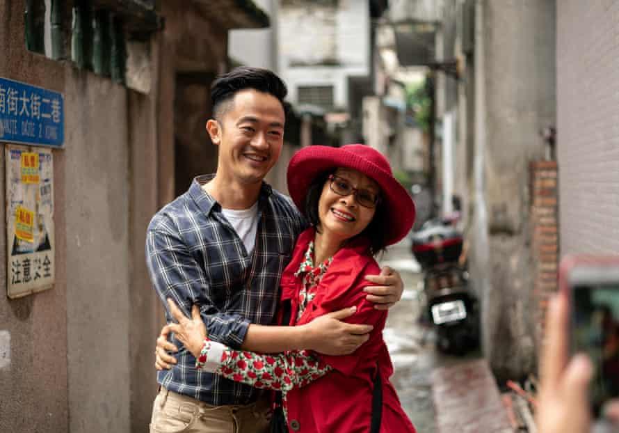 Benjamin Law and his mother, Jenny Phang, travel to China.
