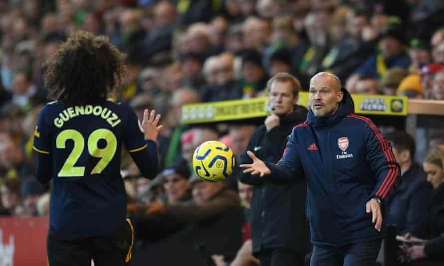 Freddie Ljungberg had to settle for a draw in his first game in charge of Arsenal.