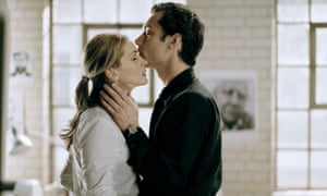 Julia Roberts and Jude Law in the 2004 film Closer.