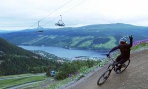A mountain bike trail above Åre.